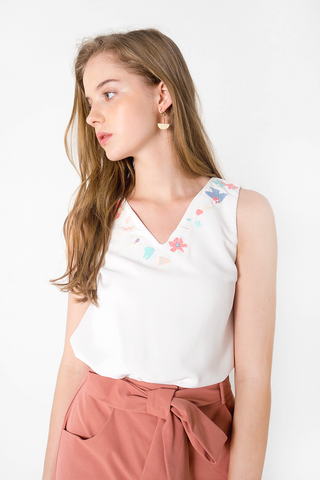 Petal Embroidery Top (White)