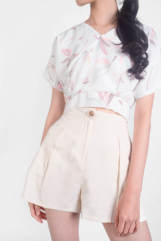 Klin Buttoned Shorts (Ivory)