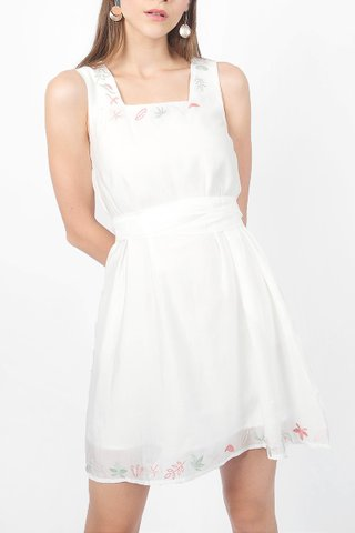 Autumn Embroidery Swing Dress (White)