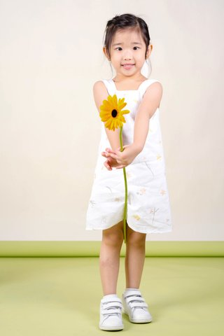 Daffodils Pinafore Dress (White)
