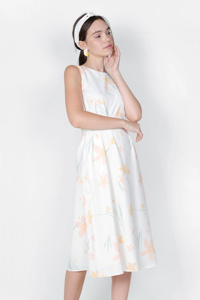 Daffodils V Maxi Dress (White)
