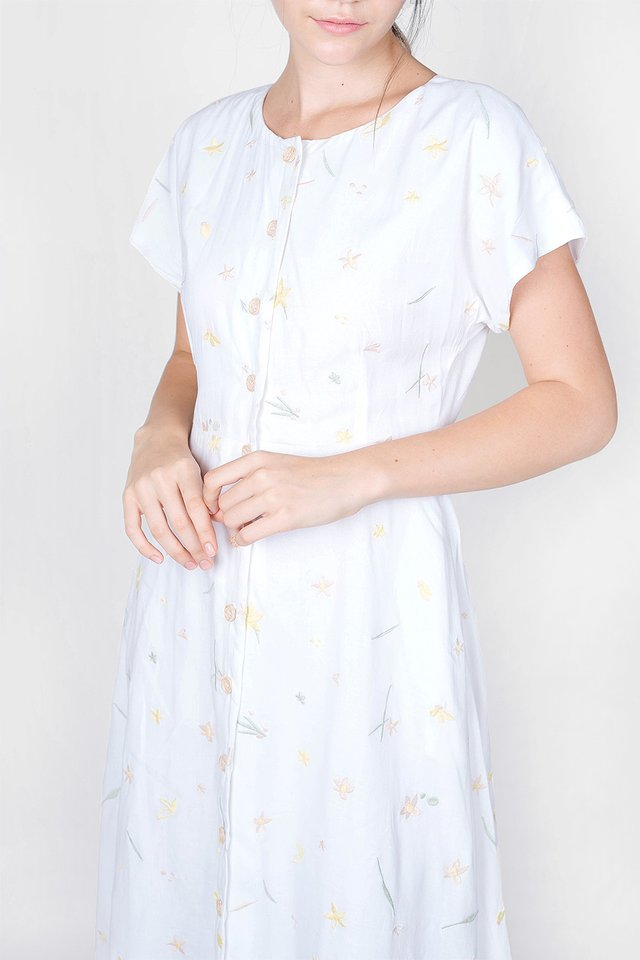 Daffodils Embroidery Midi Dress (White)