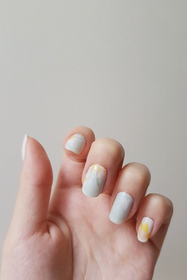 Daffodils Nail Wraps